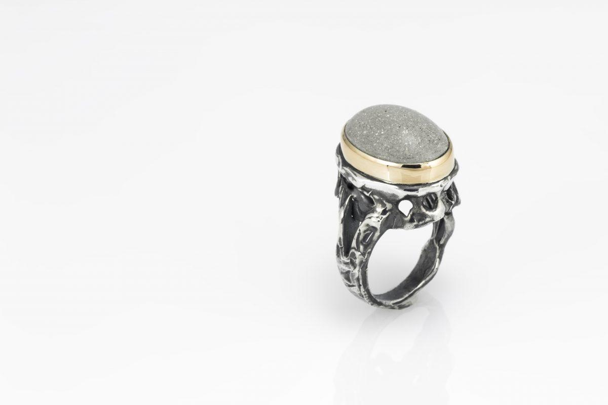 Queen's ring_2